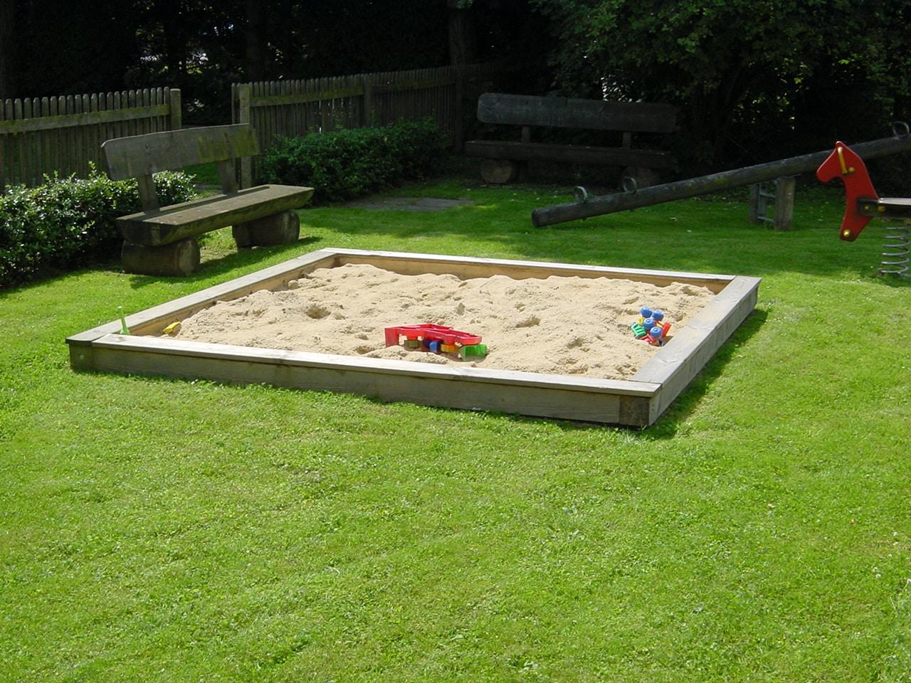 Sandreinigung Sandkasten Reinigung SandtauschGartenpflege Bad Oeynhausen