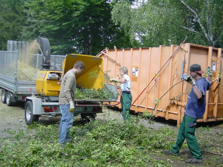 Häckseldienst an Gewerbeobjekt in Bad Oeynhausen