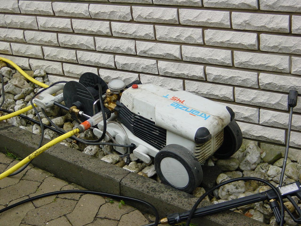 Reinigungsarbeiten mit Hochdruckreiniger in Bad Oeynhausen