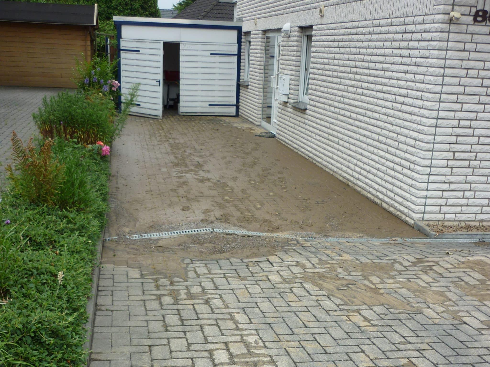Reinigung nach Rohrbruch der Hauptleitung in der Strasse Bad Oeynhausen
