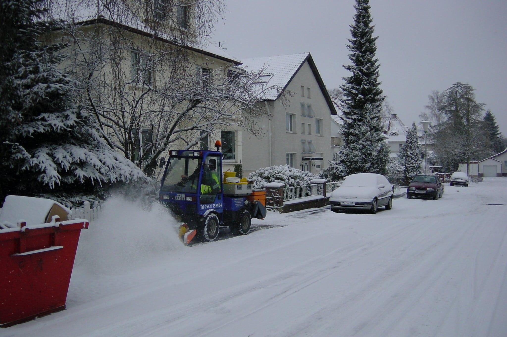 Winterdienst auf Bürgersteig Bad Oeynhausen