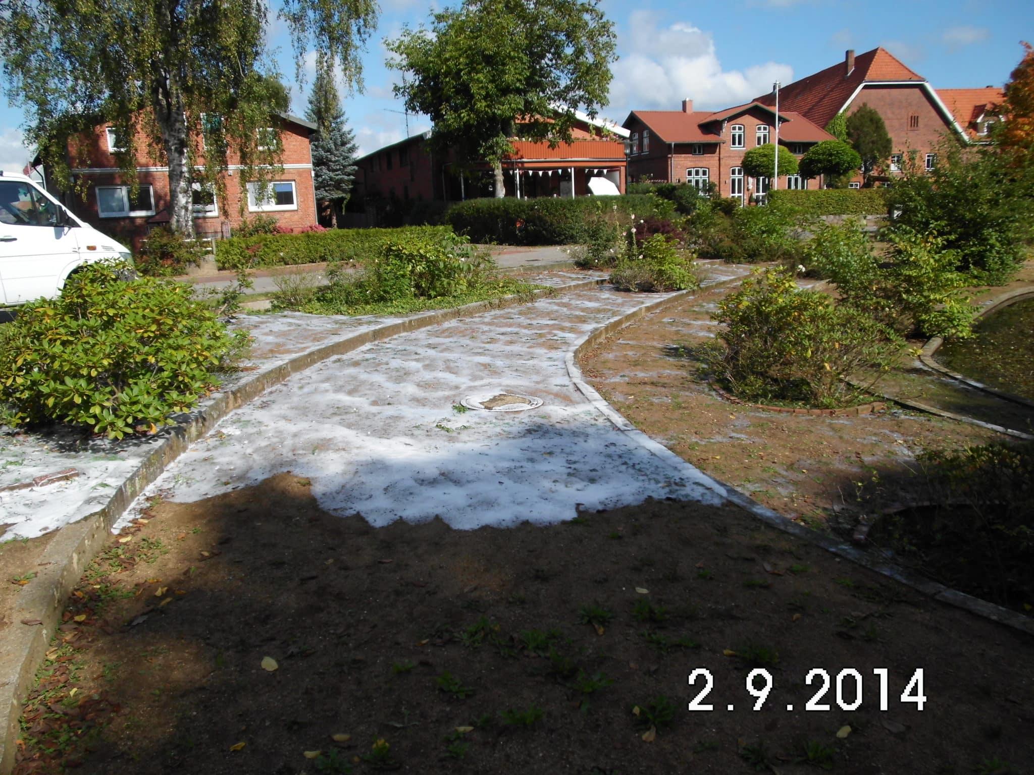 Wassergebundene Wegepflege Unkrautbeseitigung Heißwasserschaum Bad Oeynhausen